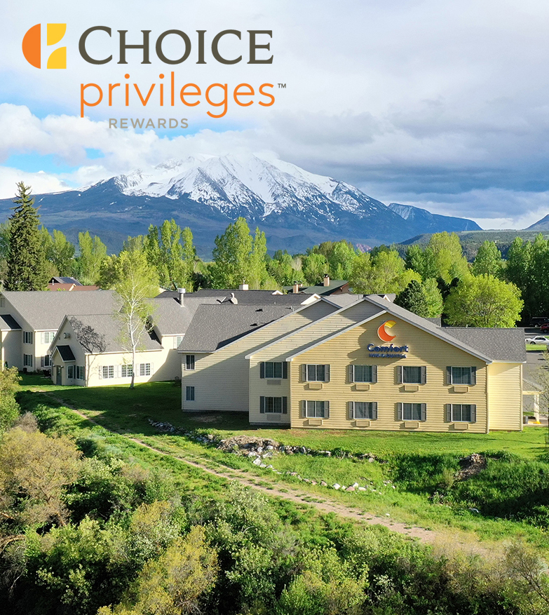Choice Privileges logo overlaid a on photo of the hotel